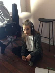 bilden visar inspelning i en studio av nattbarn